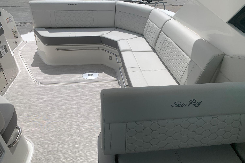 2021 Sea Ray                                                              Sundancer 320 OB Image Thumbnail #9