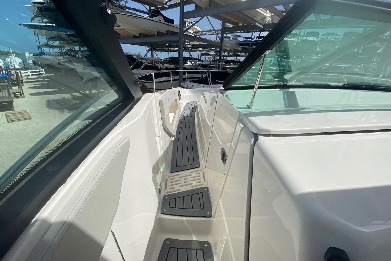 2021 Sea Ray                                                              Sundancer 320 OB Image Thumbnail #15