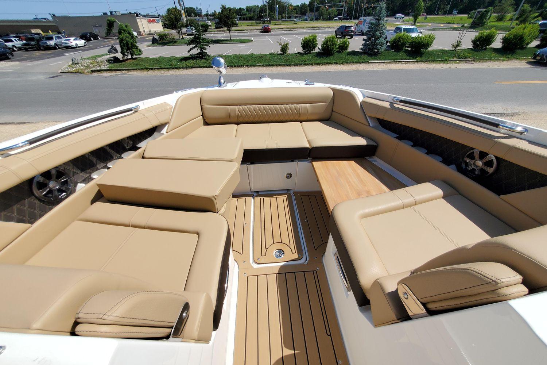 2021 Sea Ray                                                              SLX 350 OB Image Thumbnail #7