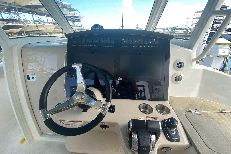 2021 Boston Whaler                                                              350 Realm Image Thumbnail #5