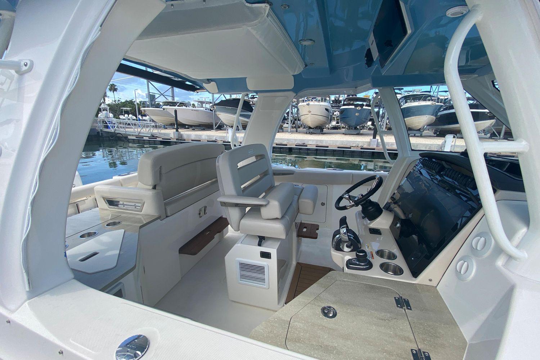 2021 Boston Whaler                                                              350 Realm Image Thumbnail #6