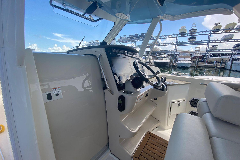 2021 Boston Whaler                                                              350 Realm Image Thumbnail #15