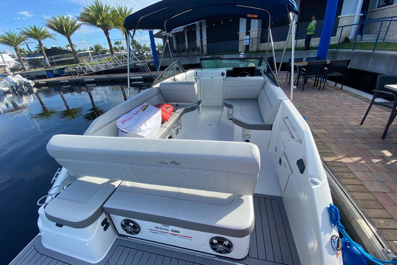 2021 Sea Ray                                                              SDX 250 Outboard Image Thumbnail #5