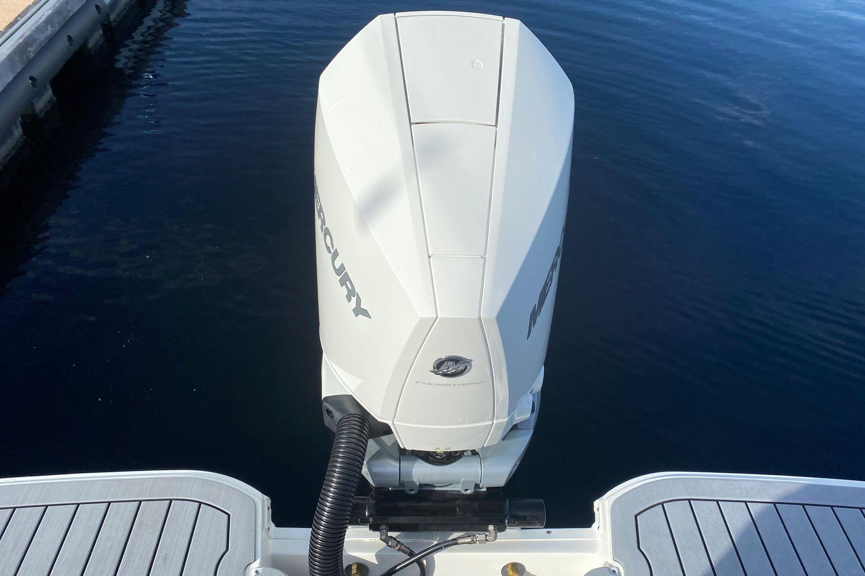 2021 Sea Ray                                                              SDX 250 Outboard Image Thumbnail #4