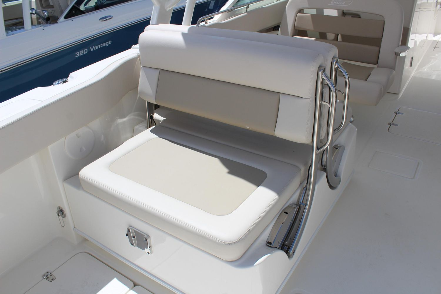 2021 Boston Whaler                                                              320 Vantage Image Thumbnail #4
