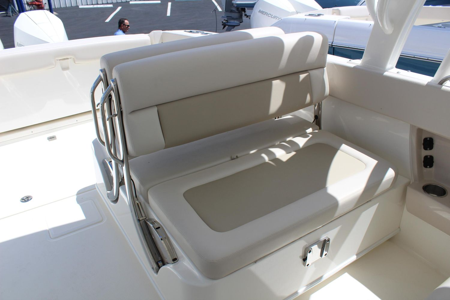 2021 Boston Whaler                                                              320 Vantage Image Thumbnail #9