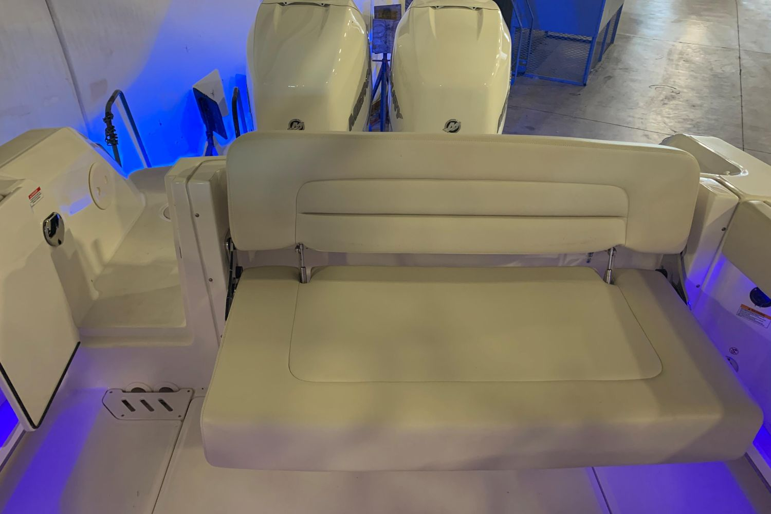 2018 Boston Whaler                                                              270 Vantage Image Thumbnail #38