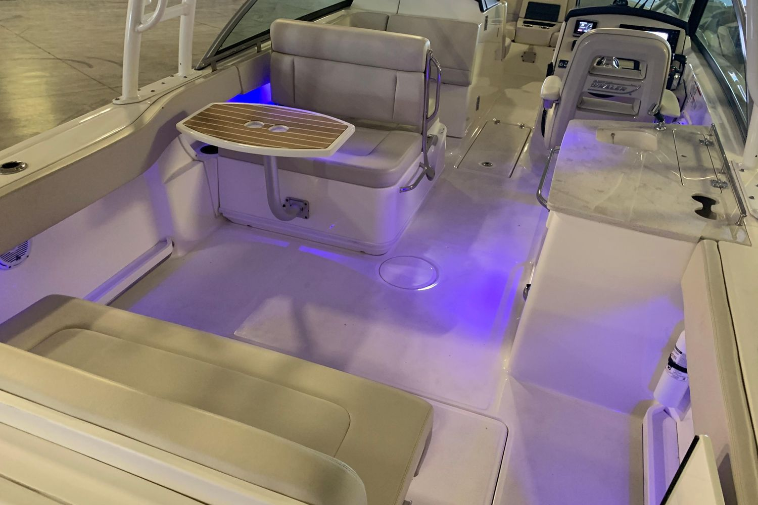 2018 Boston Whaler                                                              270 Vantage Image Thumbnail #15