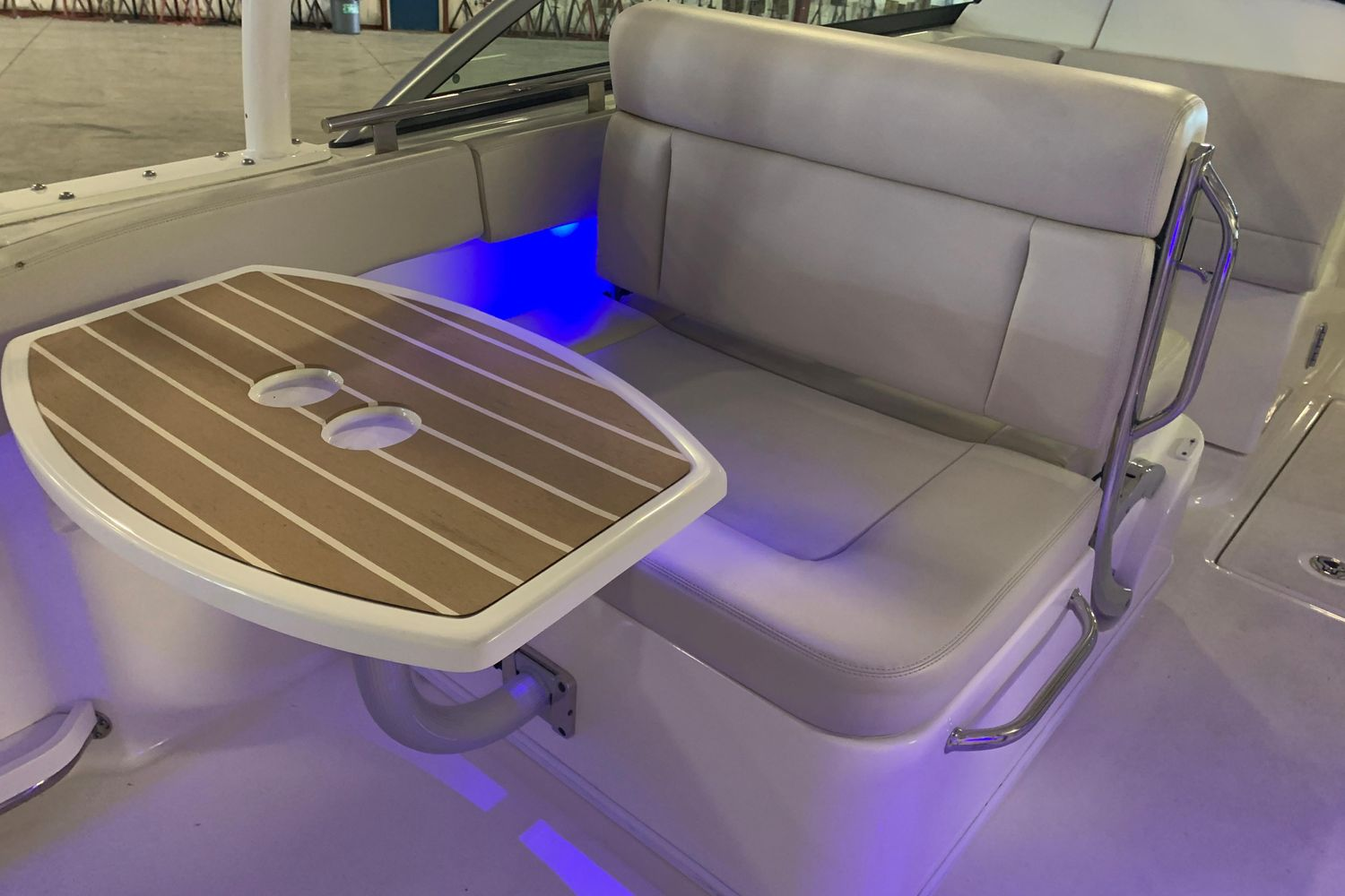 2018 Boston Whaler                                                              270 Vantage Image Thumbnail #16