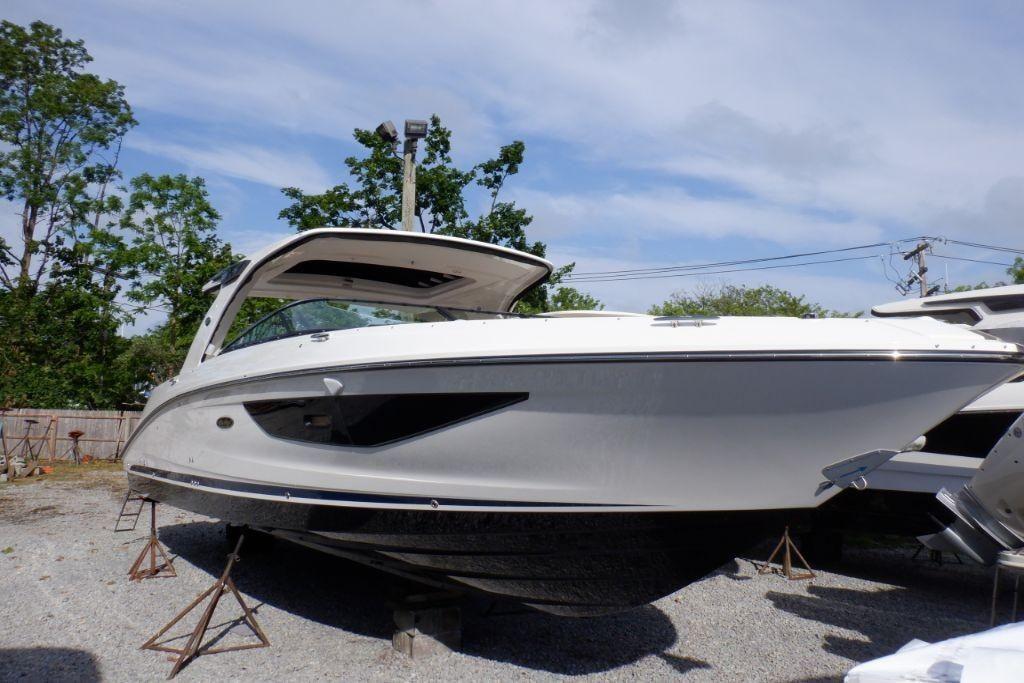 2020 Sea Ray                                                              SLX 350 OB Image Thumbnail #2