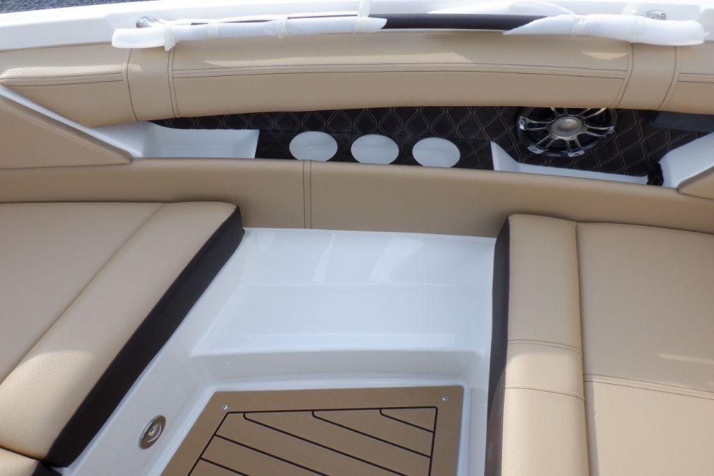 2020 Sea Ray                                                              SLX 350 OB Image Thumbnail #23