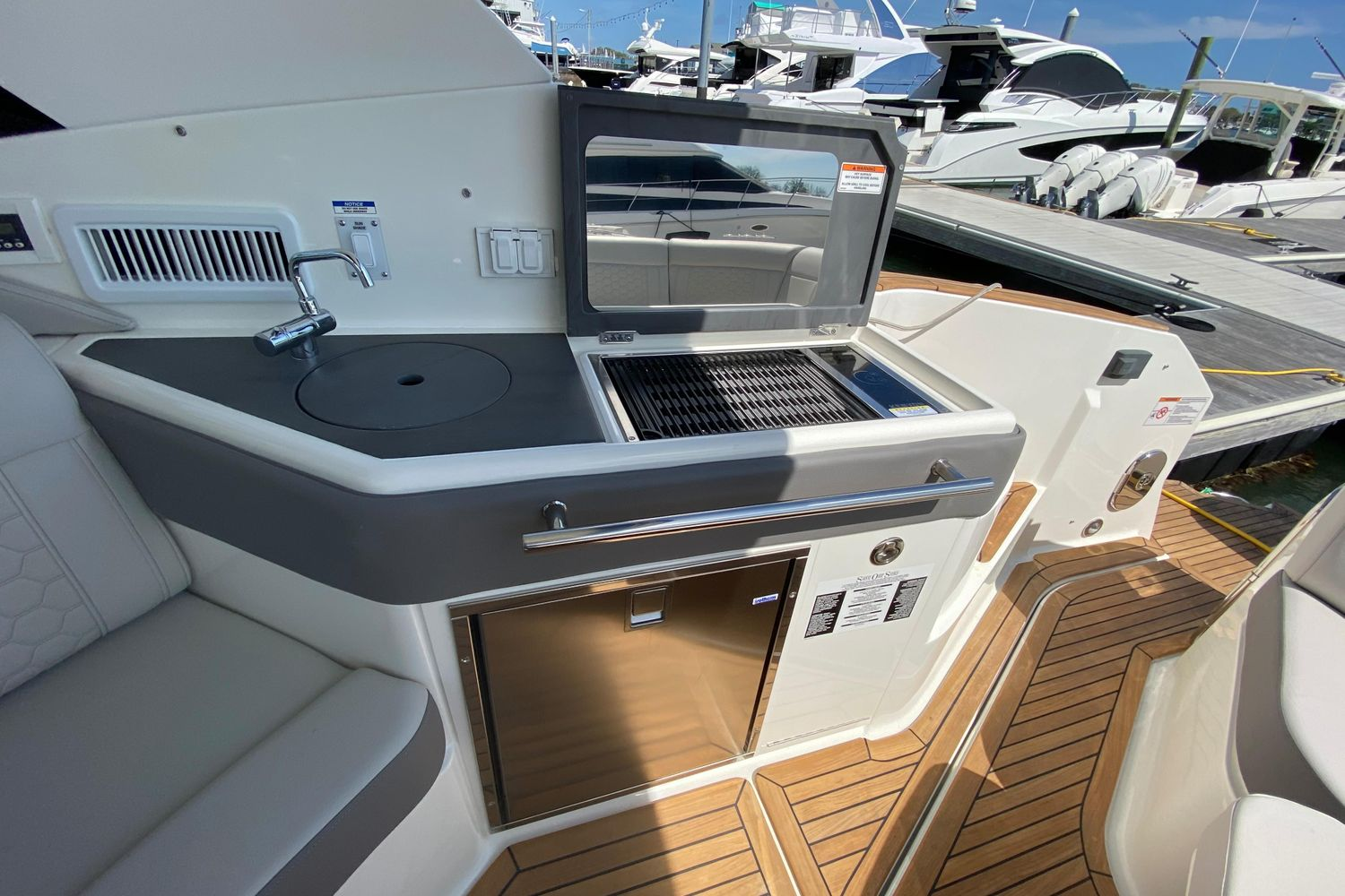2020 Sea Ray                                                              Sundancer 320 OB Image Thumbnail #7