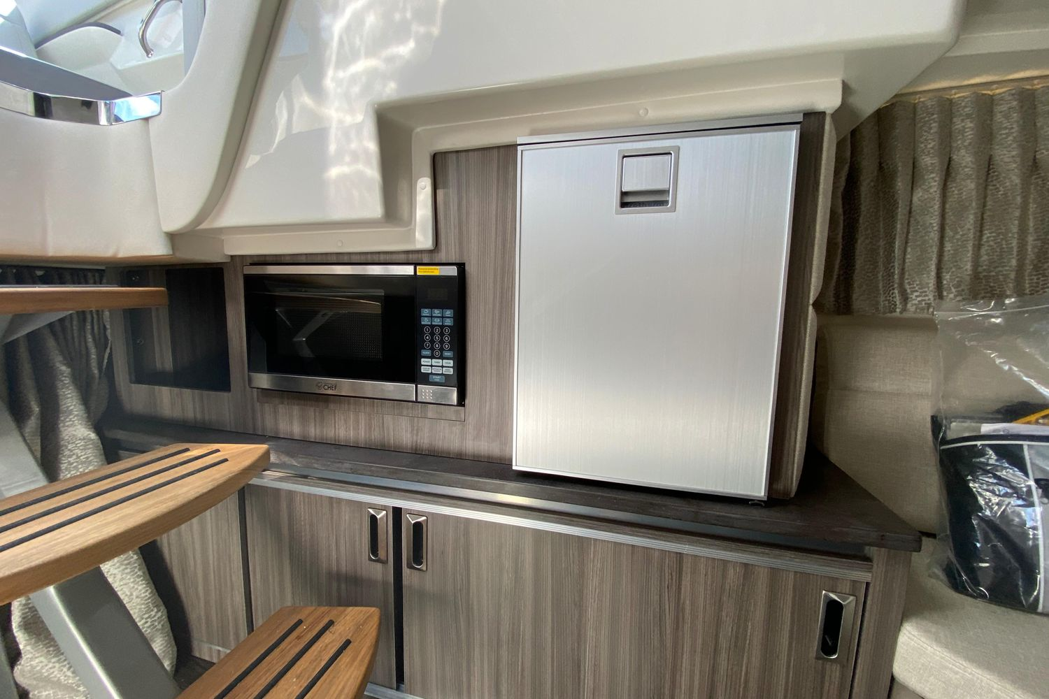 2020 Sea Ray                                                              Sundancer 320 OB Image Thumbnail #17
