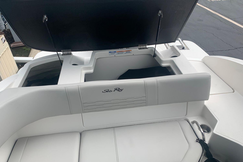 2021 Sea Ray                                                              SPX 190 OB Image Thumbnail #6