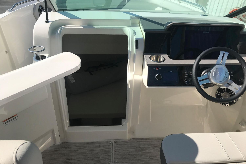 2021 Sea Ray                                                              SDX 250 Outboard Image Thumbnail #7
