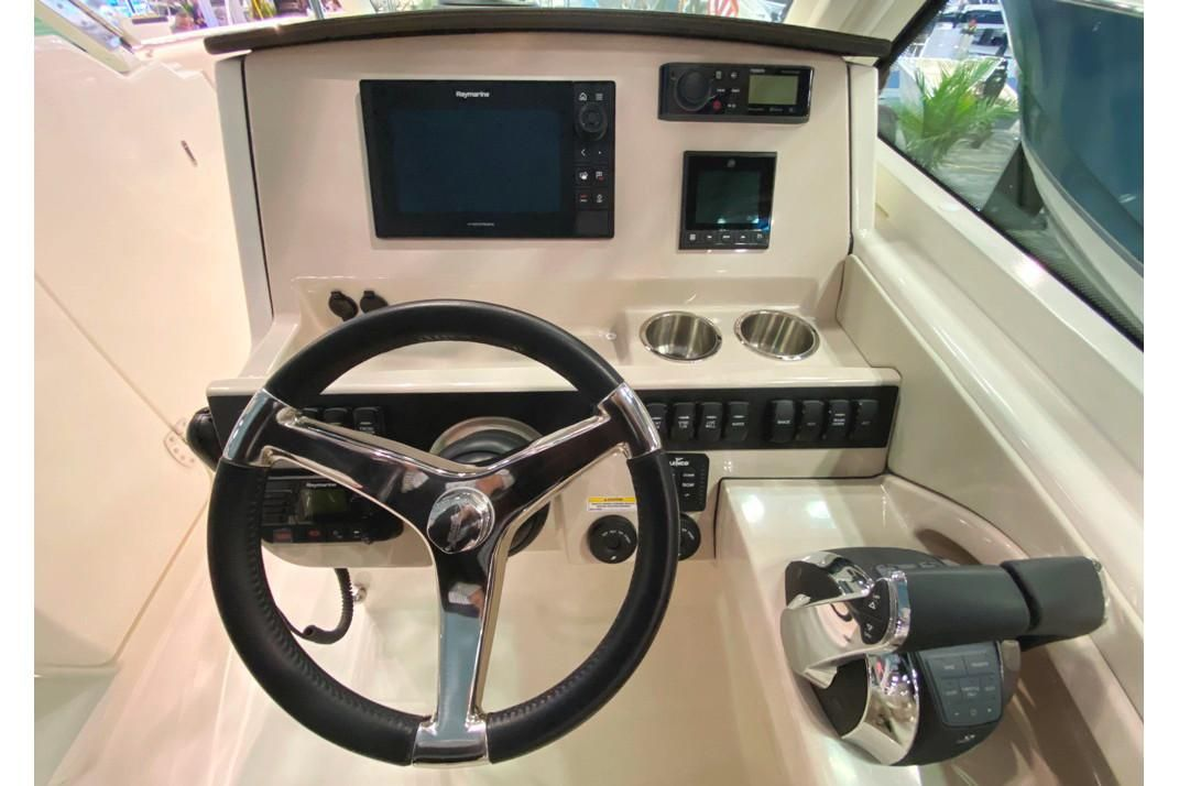 2021 Boston Whaler                                                              280 Vantage Image Thumbnail #5