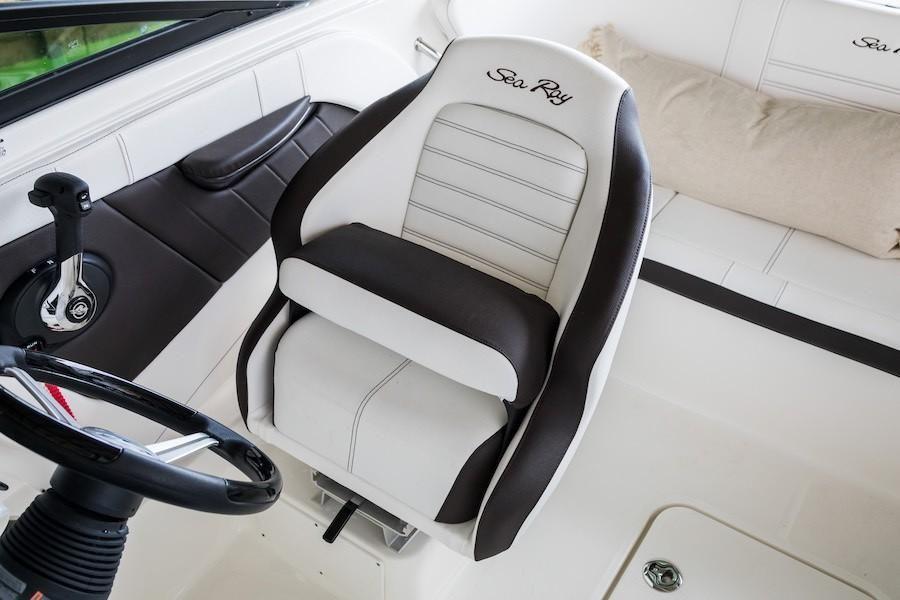 Photo 8 for 2021 Sea Ray SPX 190 OB