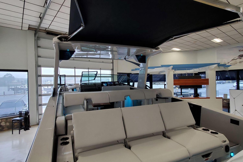 2021 Aviara                                                              AV32 Outboard Image Thumbnail #3