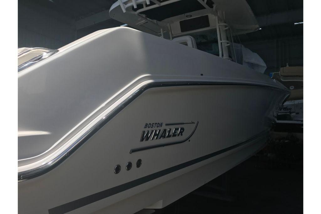 2021 Boston Whaler                                                              330 Outrage Image Thumbnail #5