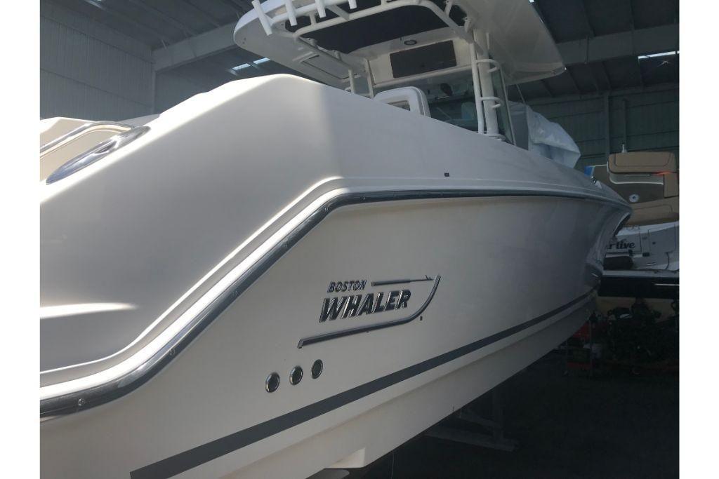 2021 Boston Whaler                                                              330 Outrage Image Thumbnail #7