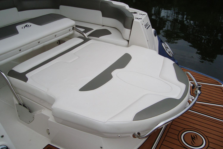 2014 Monterey                                                              260 Sport Yacht Image Thumbnail #9
