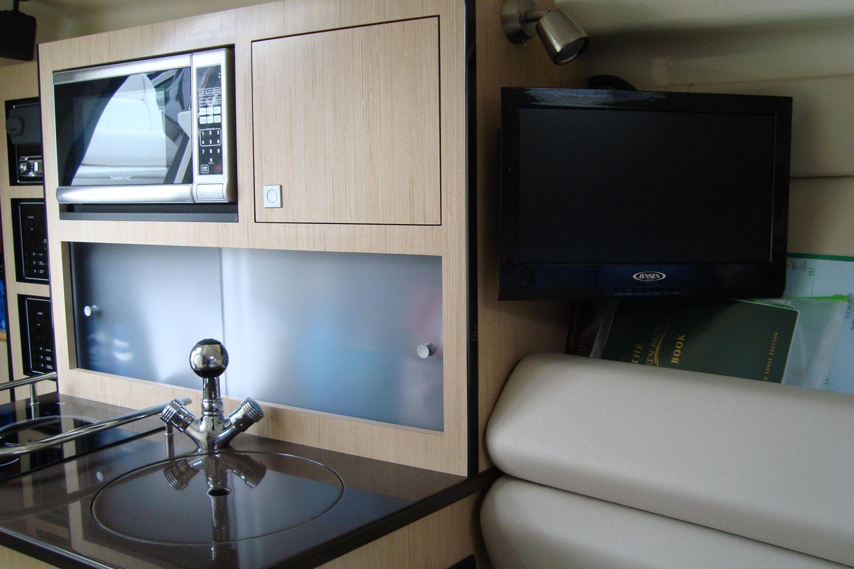 2014 Monterey                                                              260 Sport Yacht Image Thumbnail #24