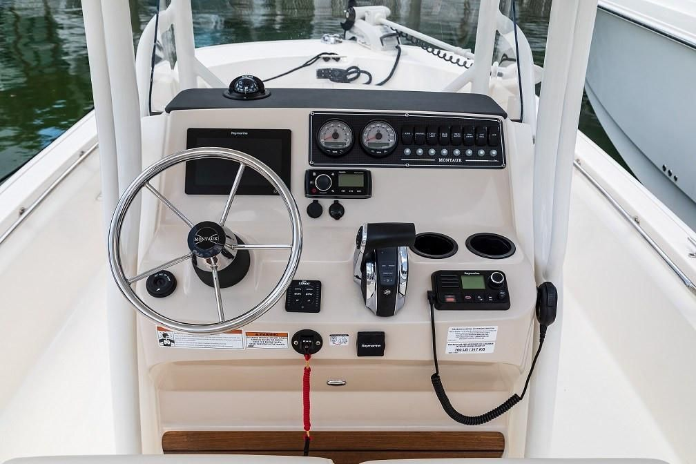 Photo 5 for 2021 Boston Whaler 210 Montauk