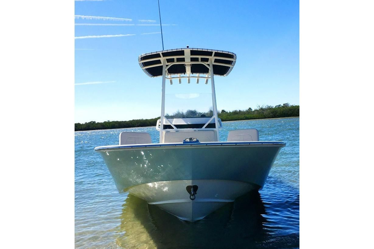 Thumbnail 2 for 2021 Boston Whaler 210 Montauk