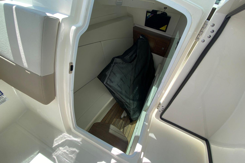 Photo 13 for 2021 Boston Whaler 320 Vantage