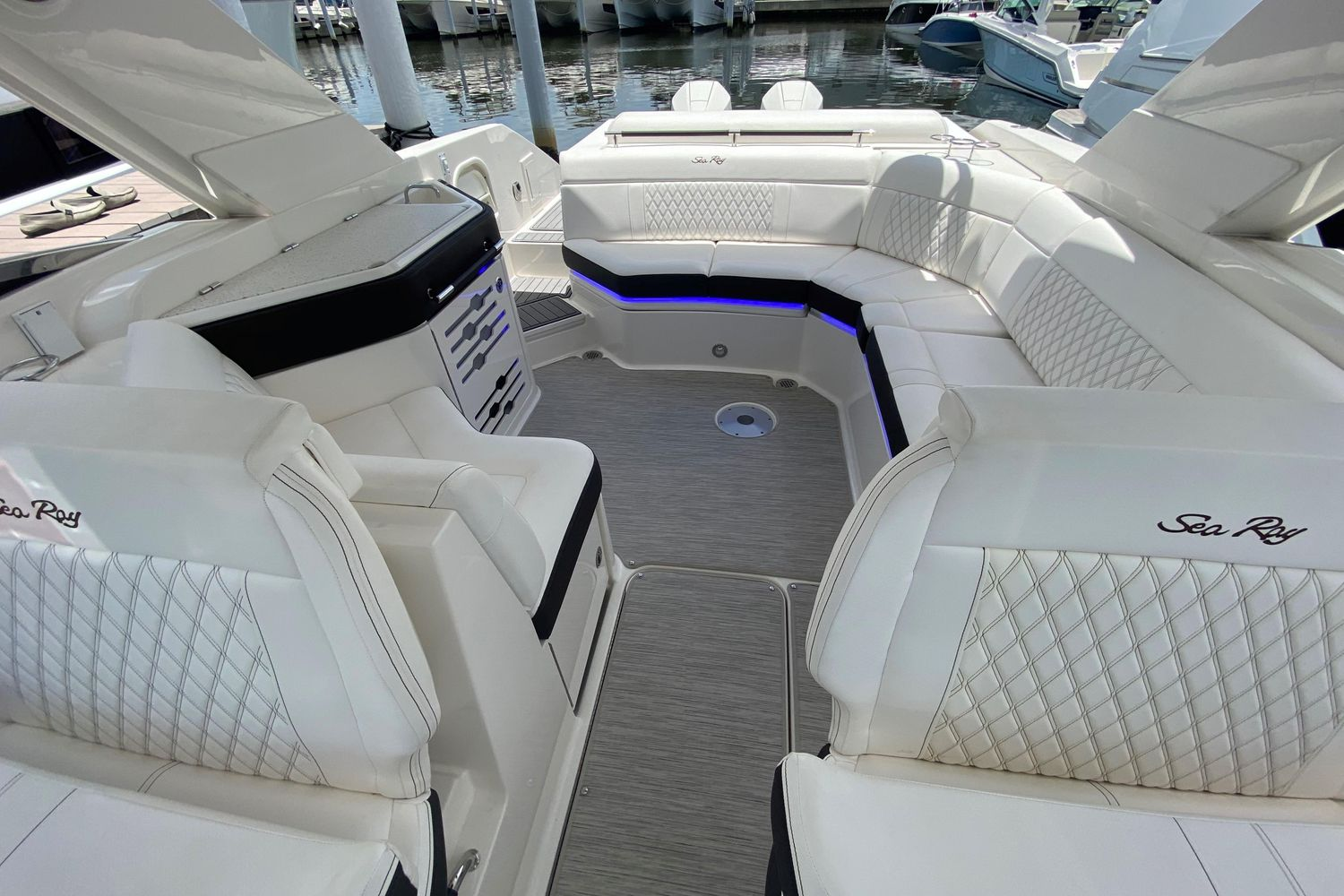 2019 Sea Ray                                                              SLX 310 OB Image Thumbnail #18