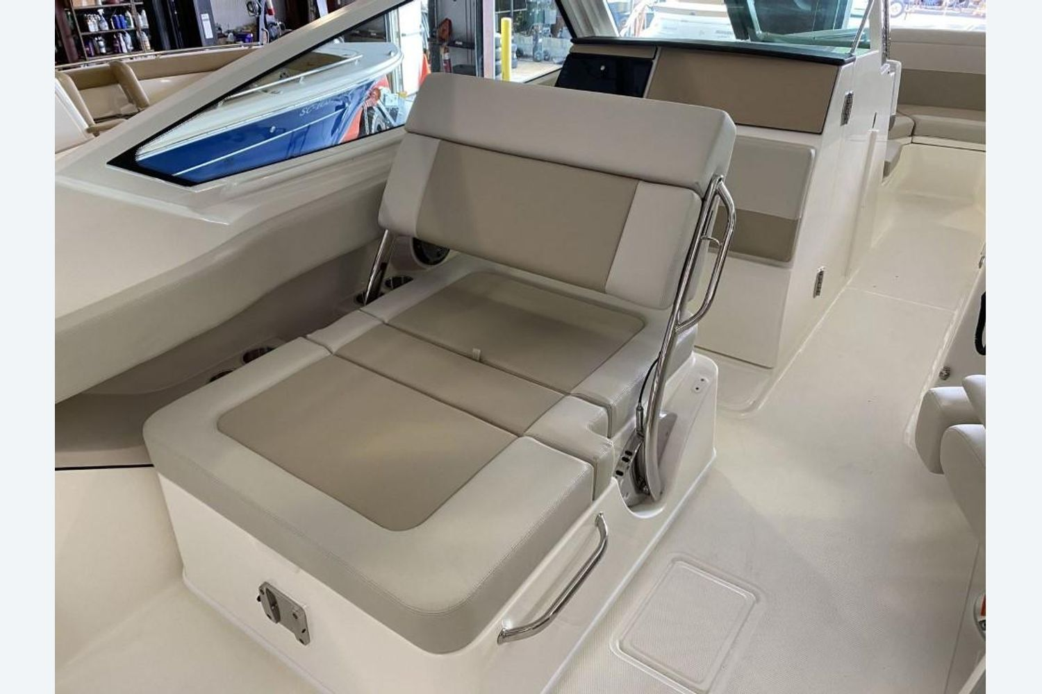 2021 Boston Whaler                                                              280 Vantage Image Thumbnail #11