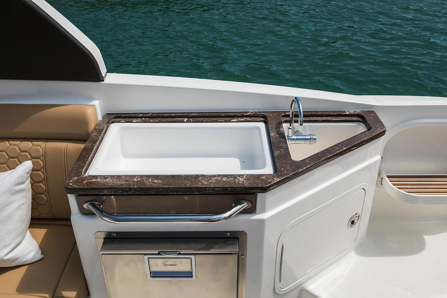 2021 Sea Ray                                                              SDX 290 Outboard Image Thumbnail #17
