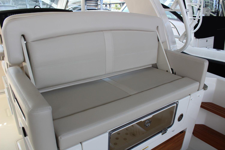 2020 Boston Whaler                                                              380 EX Image Thumbnail #11