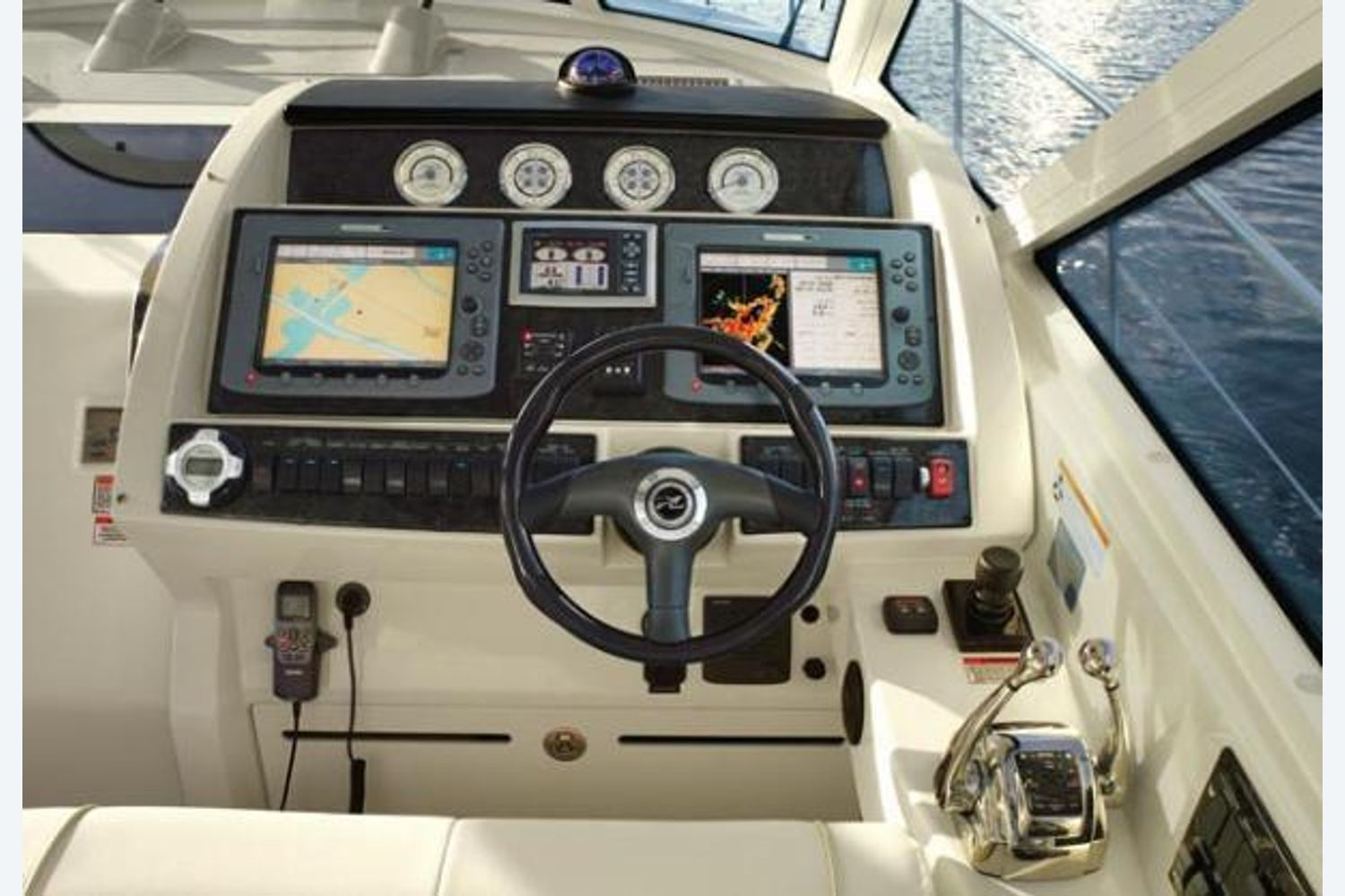 Thumbnail 4 for 2010 Sea Ray 450 Sundancer