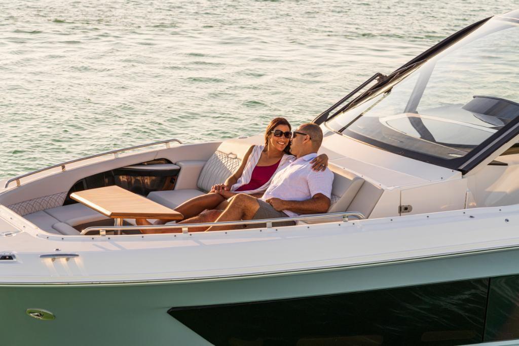 2021 Sea Ray                                                              Sundancer 370 Outboard Image Thumbnail #9