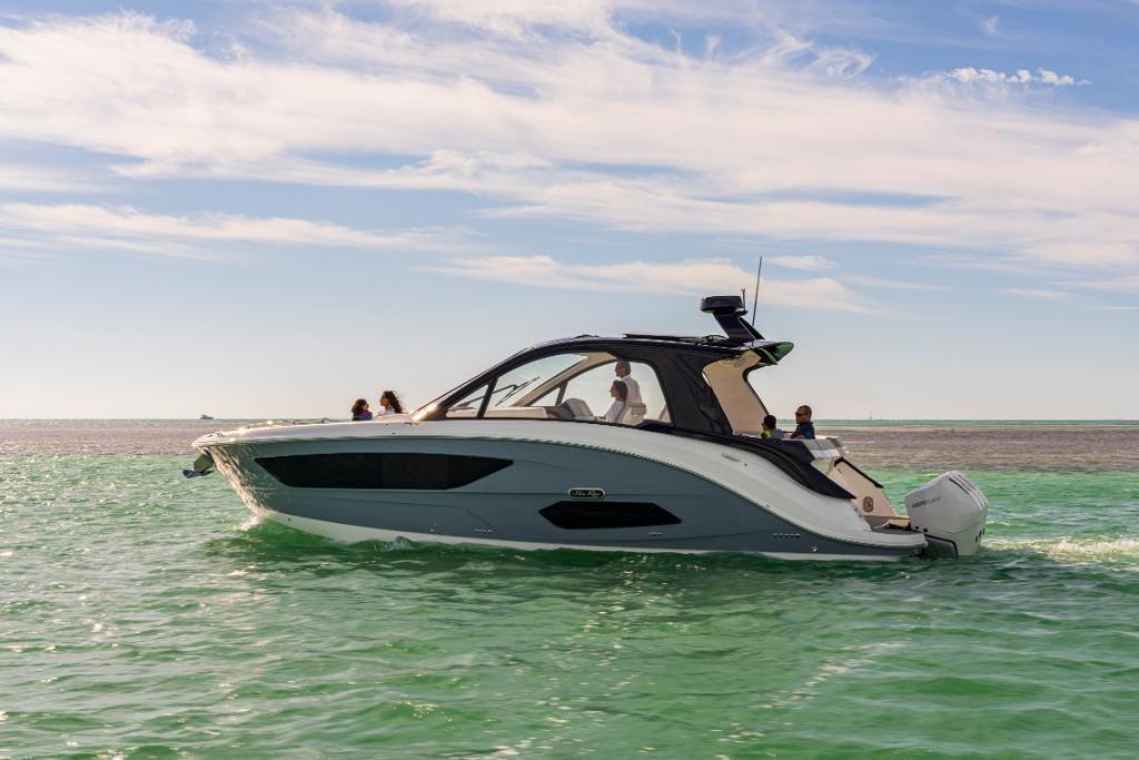 2021 Sea Ray                                                              Sundancer 370 Outboard Image Thumbnail #2