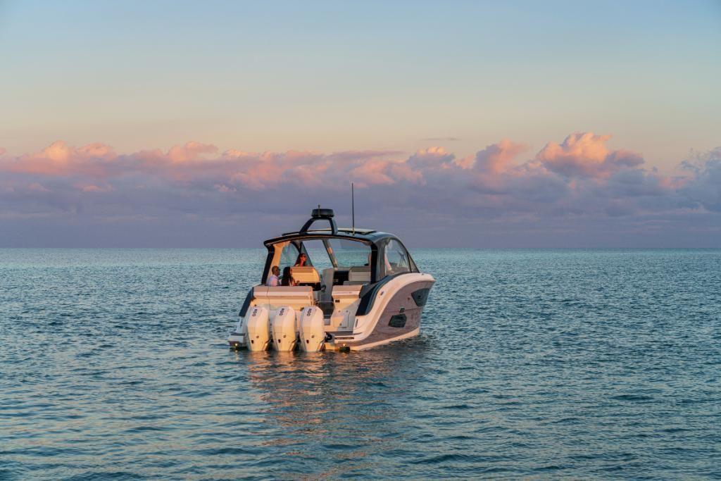 2021 Sea Ray                                                              Sundancer 370 Outboard Image Thumbnail #5