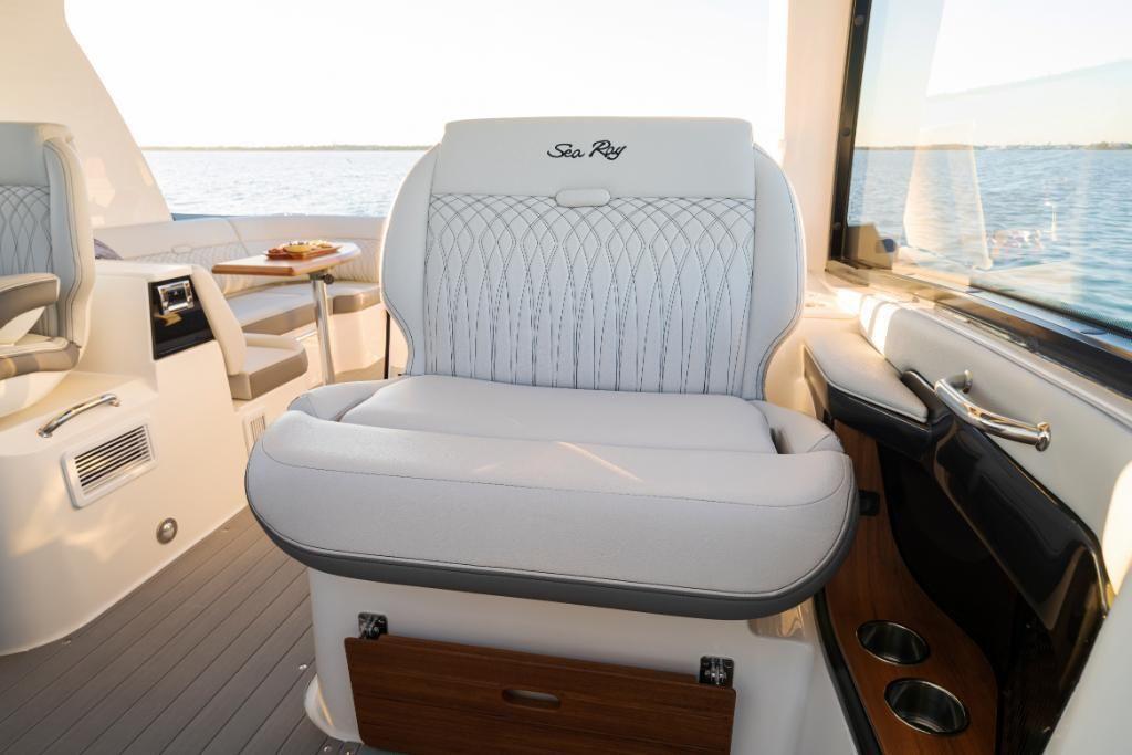 2021 Sea Ray                                                              Sundancer 370 Outboard Image Thumbnail #23