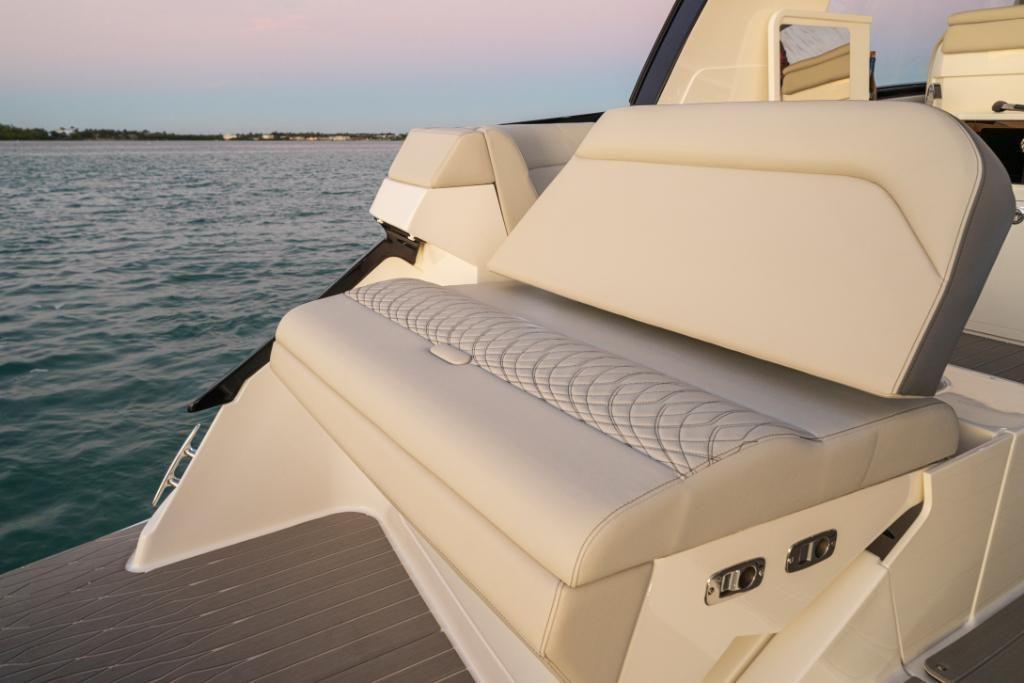 2021 Sea Ray                                                              Sundancer 370 Outboard Image Thumbnail #27