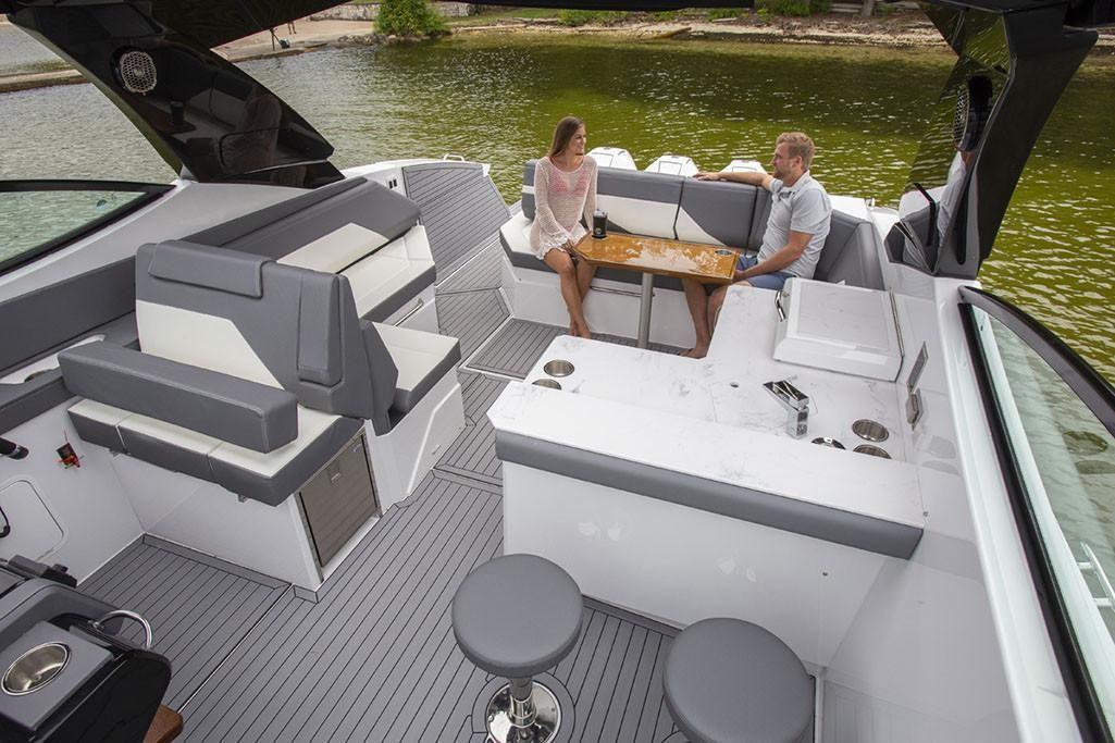 2021 Cruisers Yachts                                                              38 GLS Image Thumbnail #9