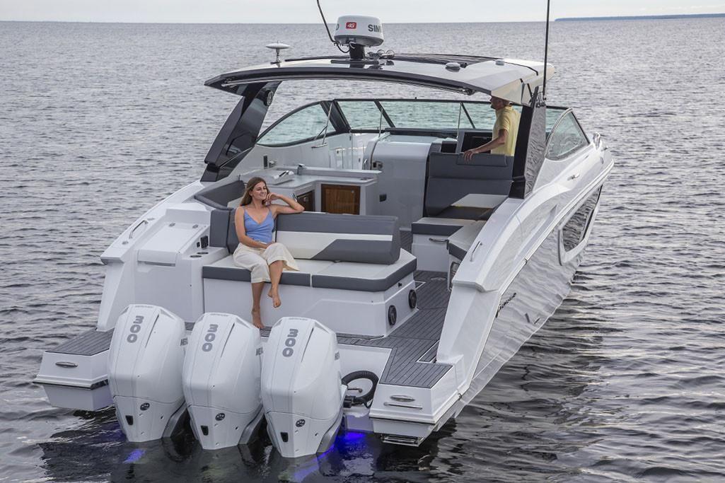 2021 Cruisers Yachts                                                              38 GLS Image Thumbnail #5