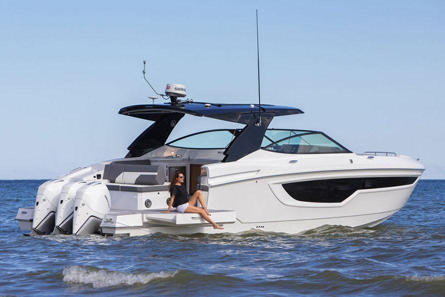 2021 Cruisers Yachts                                                              38 GLS Image Thumbnail #3