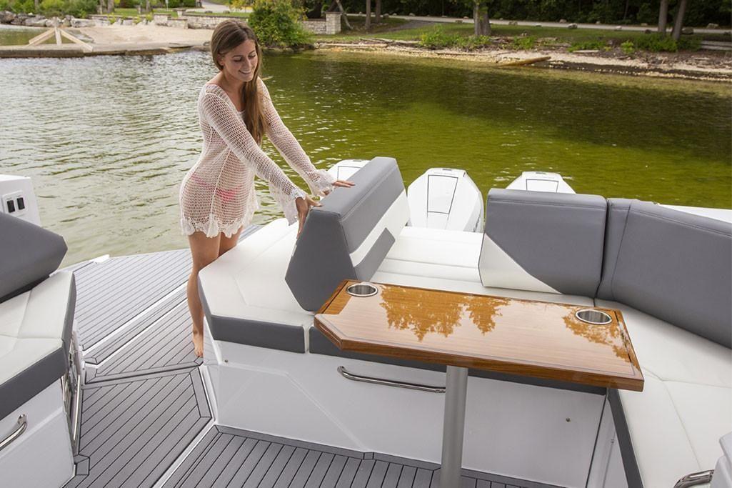 2021 Cruisers Yachts                                                              38 GLS Image Thumbnail #8