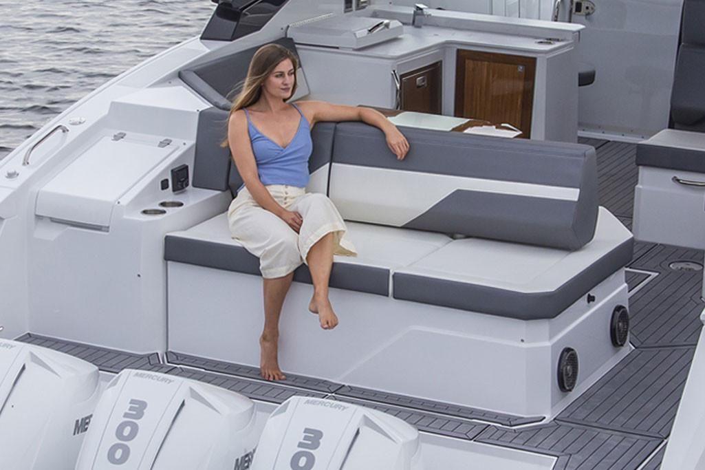 2021 Cruisers Yachts                                                              38 GLS Image Thumbnail #7