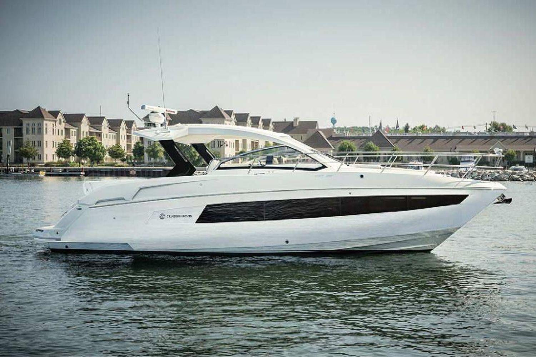 2022 Cruisers Yachts                                                              39 Express Coupe Image Thumbnail #3