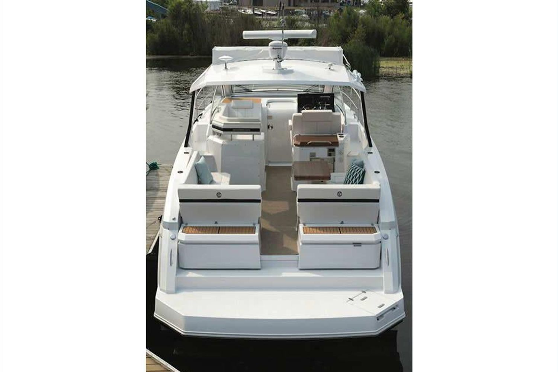 2022 Cruisers Yachts                                                              39 Express Coupe Image Thumbnail #7
