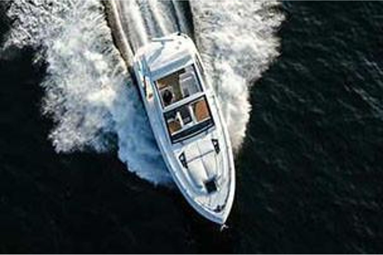 2022 Cruisers Yachts                                                              39 Express Coupe Image Thumbnail #2
