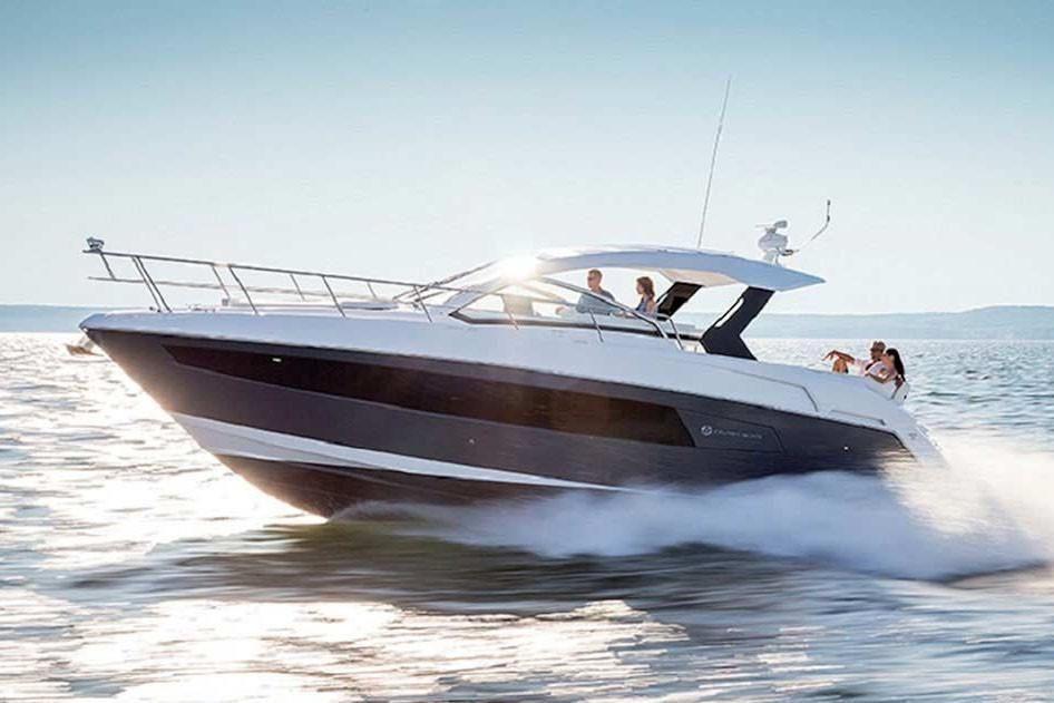 2022 Cruisers Yachts                                                              39 Express Coupe Image Thumbnail #1