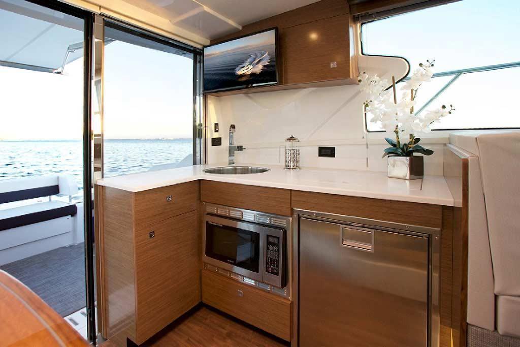 2022 Cruisers Yachts                                                              42 Cantius Image Thumbnail #7