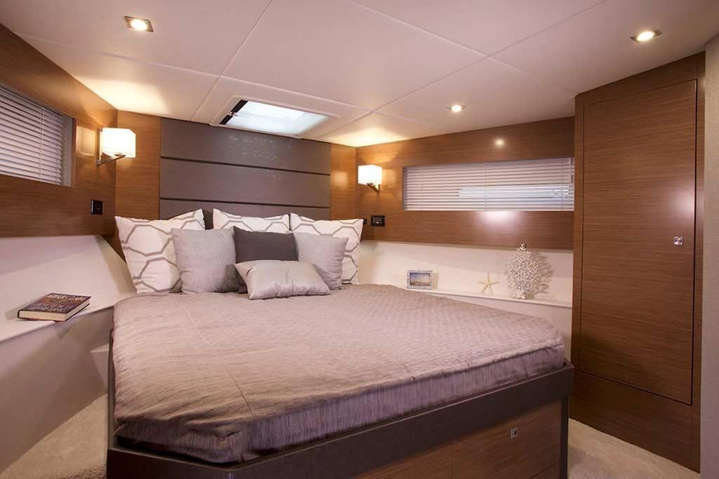 2022 Cruisers Yachts                                                              42 Cantius Image Thumbnail #13